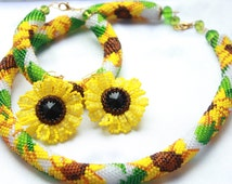 Sunflower Earrings Necklace Bracelet set Summer jewelry Dangle earrings Crochet Necklace For Mummy Flower jewelry Bridesmaid Bead jewelry