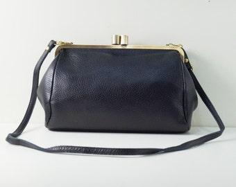"""Kiss lock purse, Clutch """"Dakota"""" in black, Leather handbag, Vintage, leather bag, shoulder bag, handmade, leather purse, sling bag, big"""