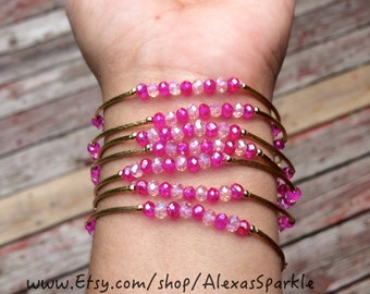 Crystal Clear and Pink beaded Charm bracelet set with gold plated charms - Seminario pulseras color cristal y rosa con dijes de chapa de oro