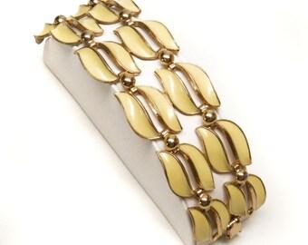 SALE! Vintage Yellow Enamel Wide Link Bracelet, Pale Yellow Vintage Bracelet, Vintage Jewelry, Enamel 1950's Yellow and Gold Enamel