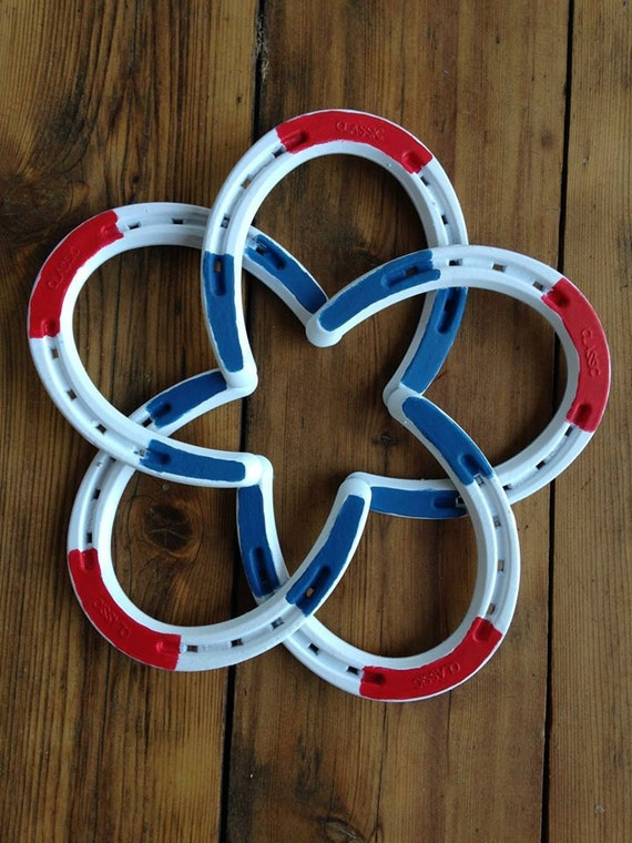 Patriotic horse shoe star for Shoe sculpture ideas