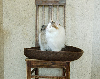 Modern Cat Bed felted round brown wool ecofriendly