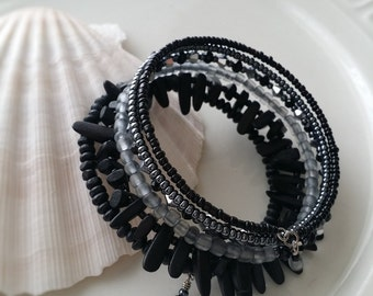 Memory wire bracelet in shade of black