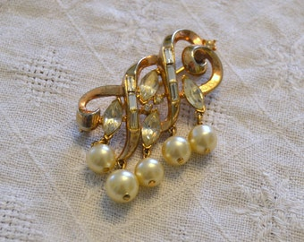 Vintage Signed Crown Trifari Gold Tone Swirl Pearl and Rhinestone Brooch, Pin, Dangle Pearls and Rhinestones