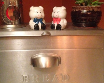 Cute pigs with bowties salt and pepper shakers: Cute, fun, and unique!