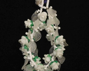 White glass rose bracelet-- lamp worked flowers and leaves
