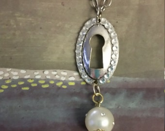 Silver Keyhole and Pearls Necklace