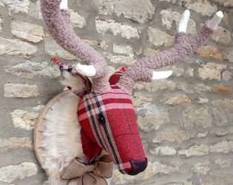 Handmade Plaid deer head faux taxidermy Tartan Plaid Check red fabric wall mounted animal stag head trophy