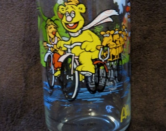 Great MUPPET Caper Commemorative Drinking GLASS Fozzie Bear KERMIT Frog Janice Animal McDonalds Henson