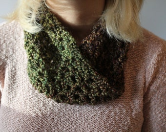 Cozy Fall Mobius Scarf, crocheted by Thortheviking (Herb Garden)