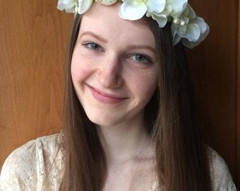 White Flower Crown, Handmade Hair Wreath, Girl Women Hair Crown, Summer Hair Accessory, Floral Wreath, Gift For Her, Bridal Wedding Crown
