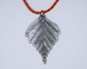 Chain - silver leaf on the leather strap Orange
