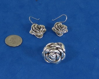 Vintage Sterling Silver Flower Jewelry Set Necklace and Earrings