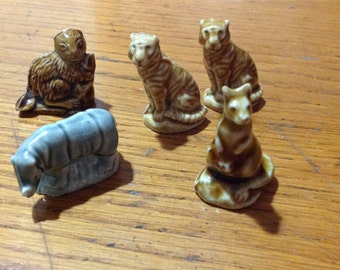 Wade England Figurines, lot of 5