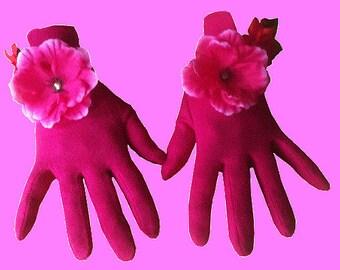 Pretty pair of gloves Fuschia Anemone