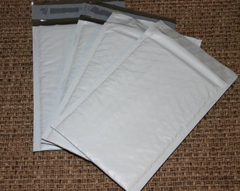 50  4x8 WHITE Poly Bubble Mailers Size 000 Self Sealing Shipping Envelopes