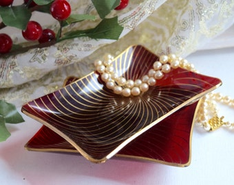 Retro Christmas red and gold trinket, pin, ring dish