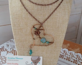 Long necklace heart emerald, bronze wire, pinecone