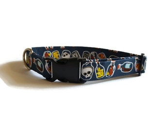 SALE -30% Halloween dog collar Skulls & bottles