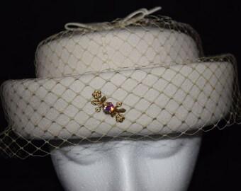 Glenover Henry Pollak 100% Wool Ivory Raised Pillbox Hat Union Made