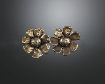 Bronze Daisy Flower Earrings - Daisy Earrings - Bronze Earrings - Floral Studs - Bronze Stud Earrings - Small Studs - Sherry Tinsman
