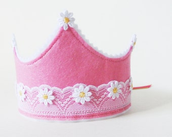 Felt and lace birthday crown // dress up crown // photo prop crown
