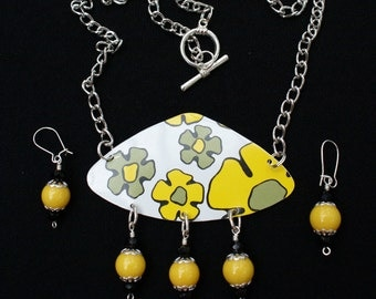 olive green and yellow vintage tin necklace and earrings
