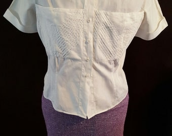 1950s Vintage White PinUp Blouse with Ornamental Stitching