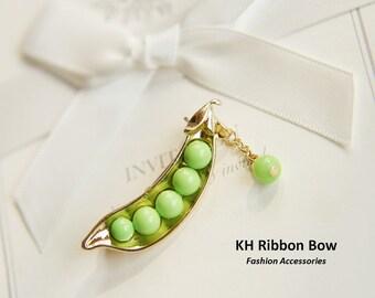 Mini Green Pear Brooch - My Little Favorite...
