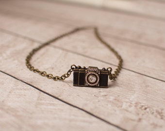 Camera Necklace, Photographer Necklace, Camera Pendant
