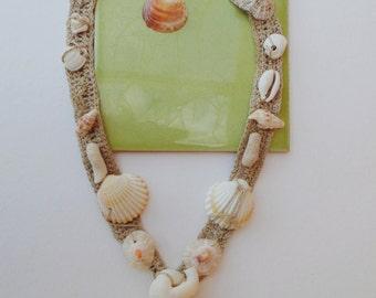 Hemp embroidered shells crochet necklace