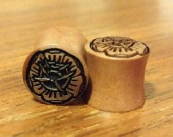 "1 / 2 "" (12mm) Sono Wood Flower Plugs"