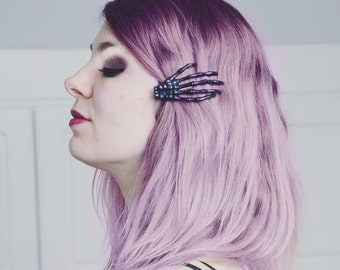 Skeleton Lucky Hand Hair Clip