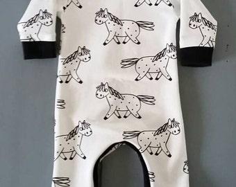 Boxpak baby, playsuit, jumpsuit with horses
