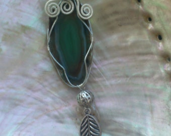 Wire wrapped agate pendant - wire wrap jewelry