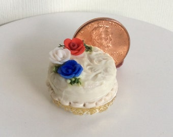 OOAK Dollhouse Miniature one inch scale Cake by CSpykersMiniaturesUS