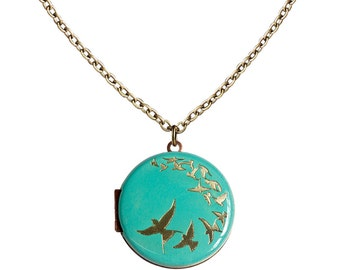 Find your wings and fly... Engraved Flock of Birds Vintage Locket 30mm
