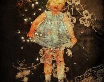 Creepy Doll Altered Photo, Altered Art Photography, Paper Doll Creepy Art, Haunted Art, Gothic, Unusual Art Collage