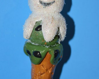 Ice cream cone snowman