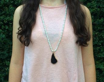 black pendant beaded necklace