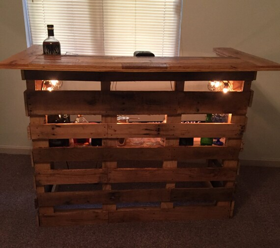 Items similar to pallet bar variation 1 on etsy for Europaletten bar