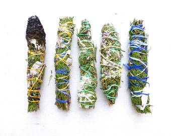 Wildcrafted Cedar Bundle//White sage//Sweetgrass//Lavender//Smudge stick//Meditation//Intention//Energetic Cleansing//Ceremonial smudge
