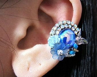 Lovely Bird In A Blue Garden With Crystals Ear Cuff Silver Born Free Sparkle Elegant Glamorous Simple Flowers Leaf