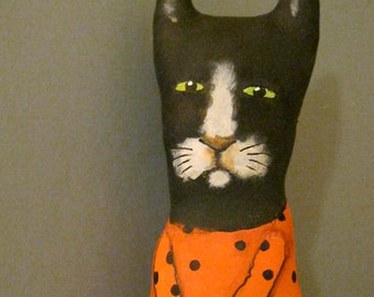 cat art doll , little cat , sandy mastroni, black cat,halloween color,whimsical , wall art doll , shelf art,