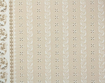 """1950s Vintage Wallpaper by the Yard - Nancy McClelland """"New Milford"""" White and Beige Floral Stripe"""