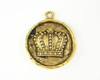 Crown Charm Crown Pendant Antique Gold Round Medallion Regal Royalty Pendant for Necklace |NU1-13|1 XN