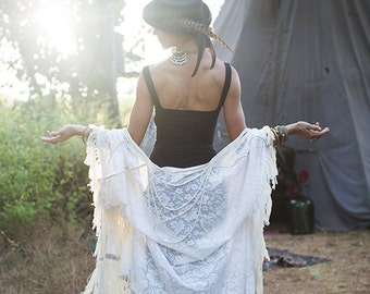 GYPSY LACE KAFTAN - Bohemian Hippie Boho Wedding Bride Romantic Shabby chic Plus size Ethnic Tribal Tassel Robe Tunic - White