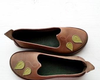 Womens shoes, Handmade Leather Woodland leaf Shoe, THIMBLE, pick a colour