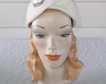 50s 60s Vintage Fuzzy Off White Felt Hat with Large Pearlized Rhinestone Accent Christine Original