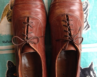 40's Nunn Bush cap toe oxfords 8D.